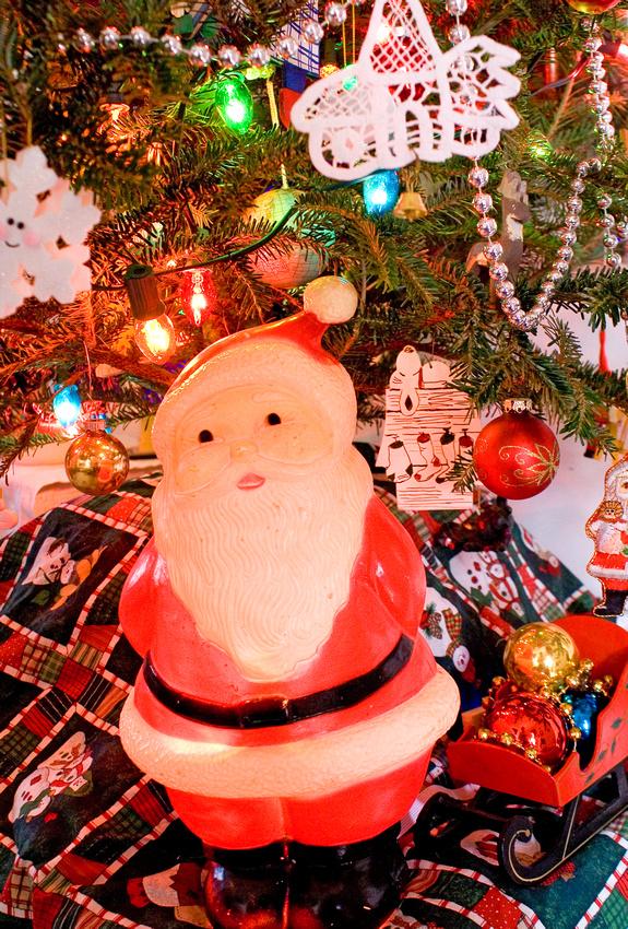 Vintage Christmas Santa via foobella.blogspot.com